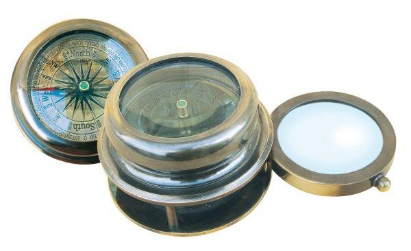 Kompass mit ausklappbarer Lupe