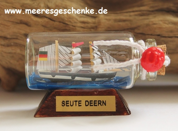 Buddelschiff / Flaschenschiff Seute Deern ca. 6 x 3 cm