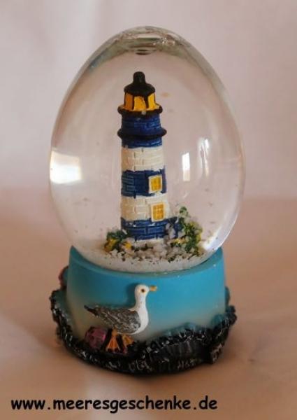 Schneekugel mit Leuchtturm blau / weiß ca. 7 cm