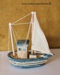 Maritime Deko 3 Modelle als Fischerkutter je ca 7 x 3 x 7 cm Polystone